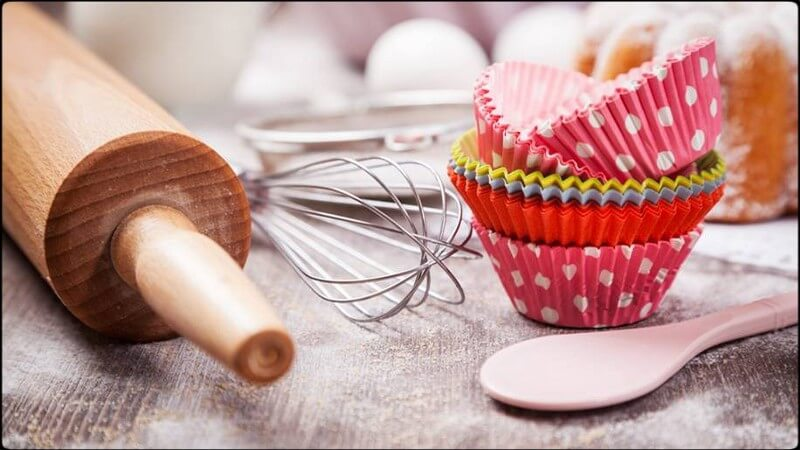 Baking and decorating tools