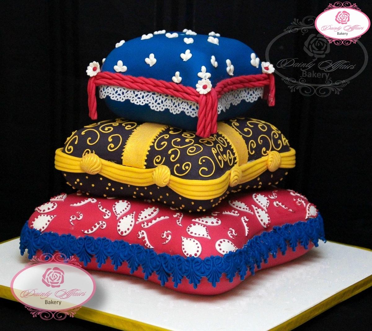 Traditional Wedding Cakes Dainty Affairs Bakery